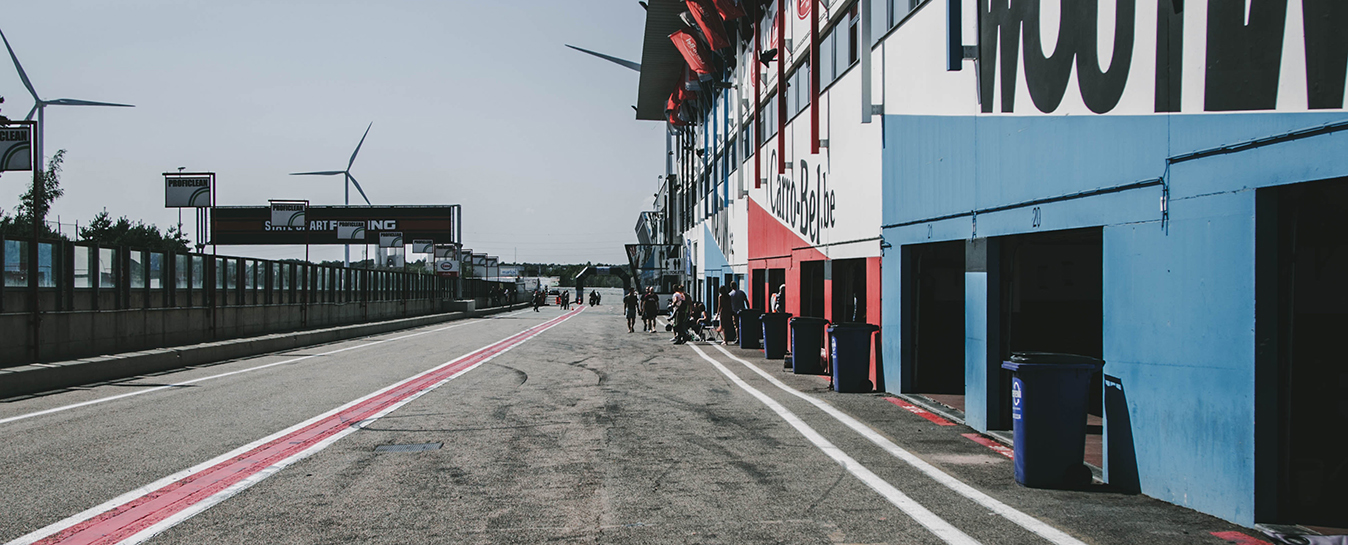 Race track 1348x545#